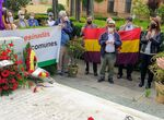 Ofrenda floral del Ayuntamiento en la tumba del sevillano Diego Martínez Barrio
