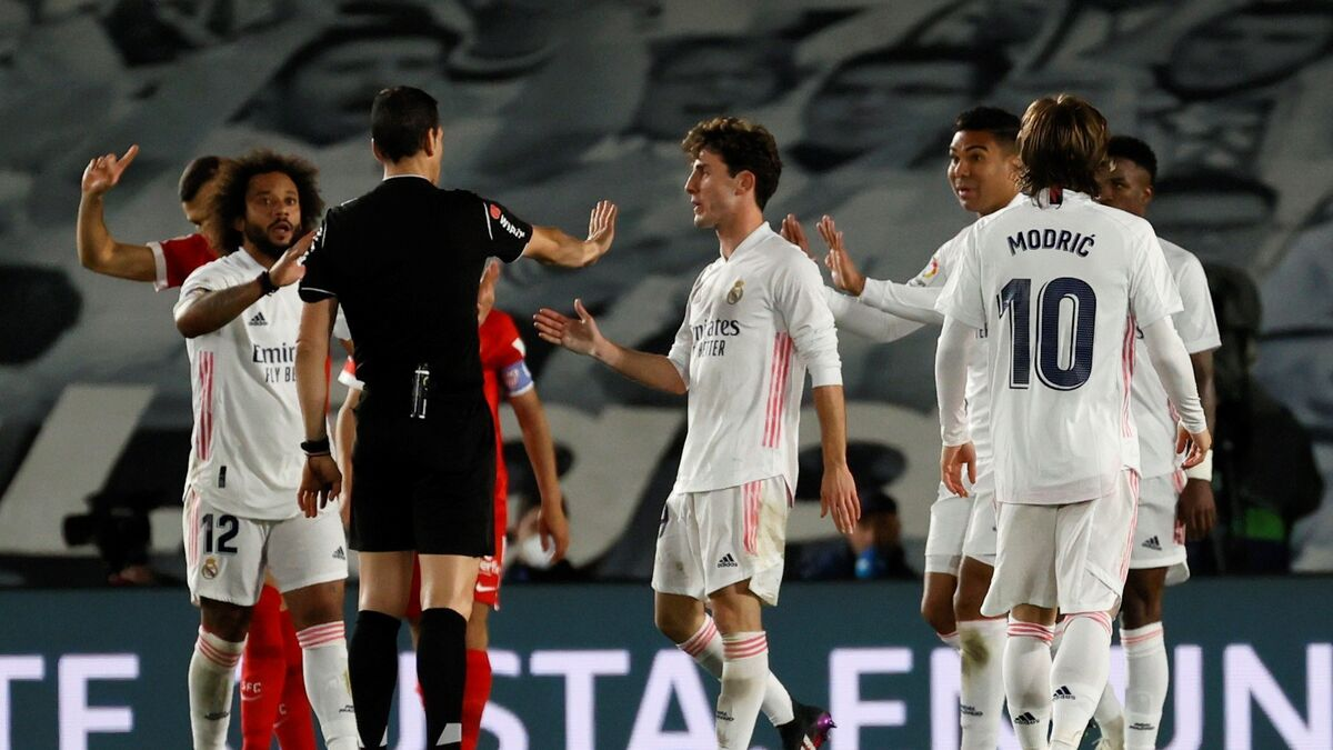 El partido Real Madrid-Sevilla, en directo: VAR y penalti (1-2)