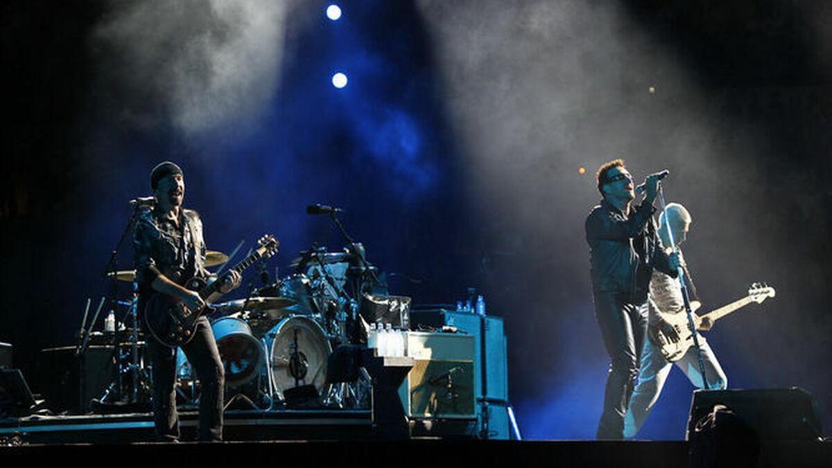 Actuación de U2 en el Estadio de la Cartuja.