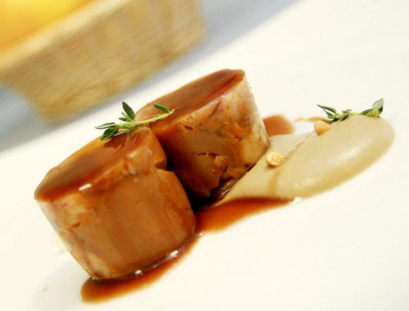 La receta manitas de cerdo guisadas con crema de for Cocinar manitas de cerdo